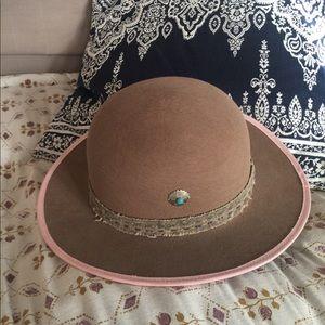 Accessories - Hampui Medicine Hat